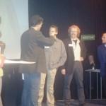 Gert-Jan krijgt de prijs van 5000 piek voor zijn filesite