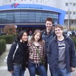 De reportageteams: Phuong, Kelly, Timo en Saroo