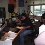 Meekijken bij een radio uitzending
