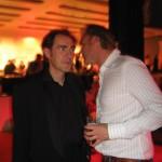 Collega Richard legt het regisseur Johan Nijenhuis nog een keer uit.