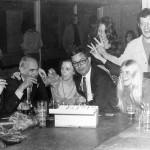 Lucasdag 1972: gezellig samen met docenten Joop Lisker (met sigaar) en mijnheer Croonen (met model Anja)