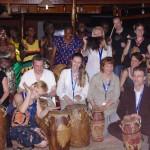 Ook Elaine (linksonder) toont zich een ware tamtamklopper