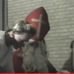 Screenshot uit het filmpje: Sint Frans van Bommel met secretaresse Fien Tiberius