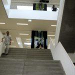 Centrale trap naar de verdiepingen