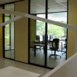 Een blik op de werkruimte van de docenten