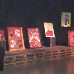 Het werk van Ferrer, getoond naast dat van de leerlingen