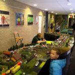 Mooie combinatie: leerlingenwerk en modelbanen