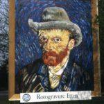 Zelfportret met grijze vilthoed als billboard
