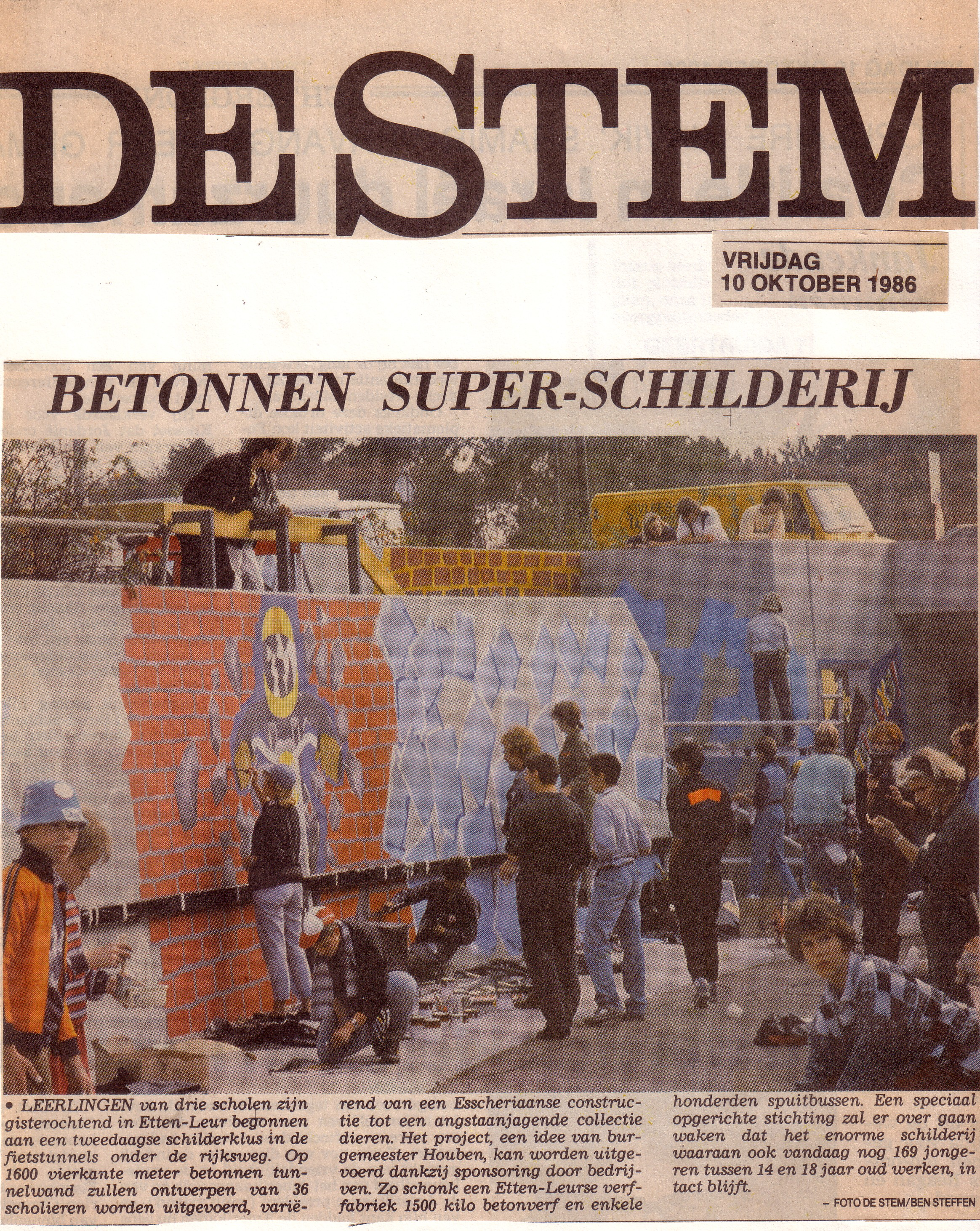Daags na het schilderen was dit de voorpagina van Dagblad De Stem!