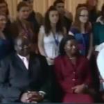 Op audiëntie bij president Banda die toen in Zambia aan de macht was