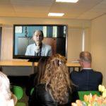Kijken naar de documentaire '50 jaar KSE'