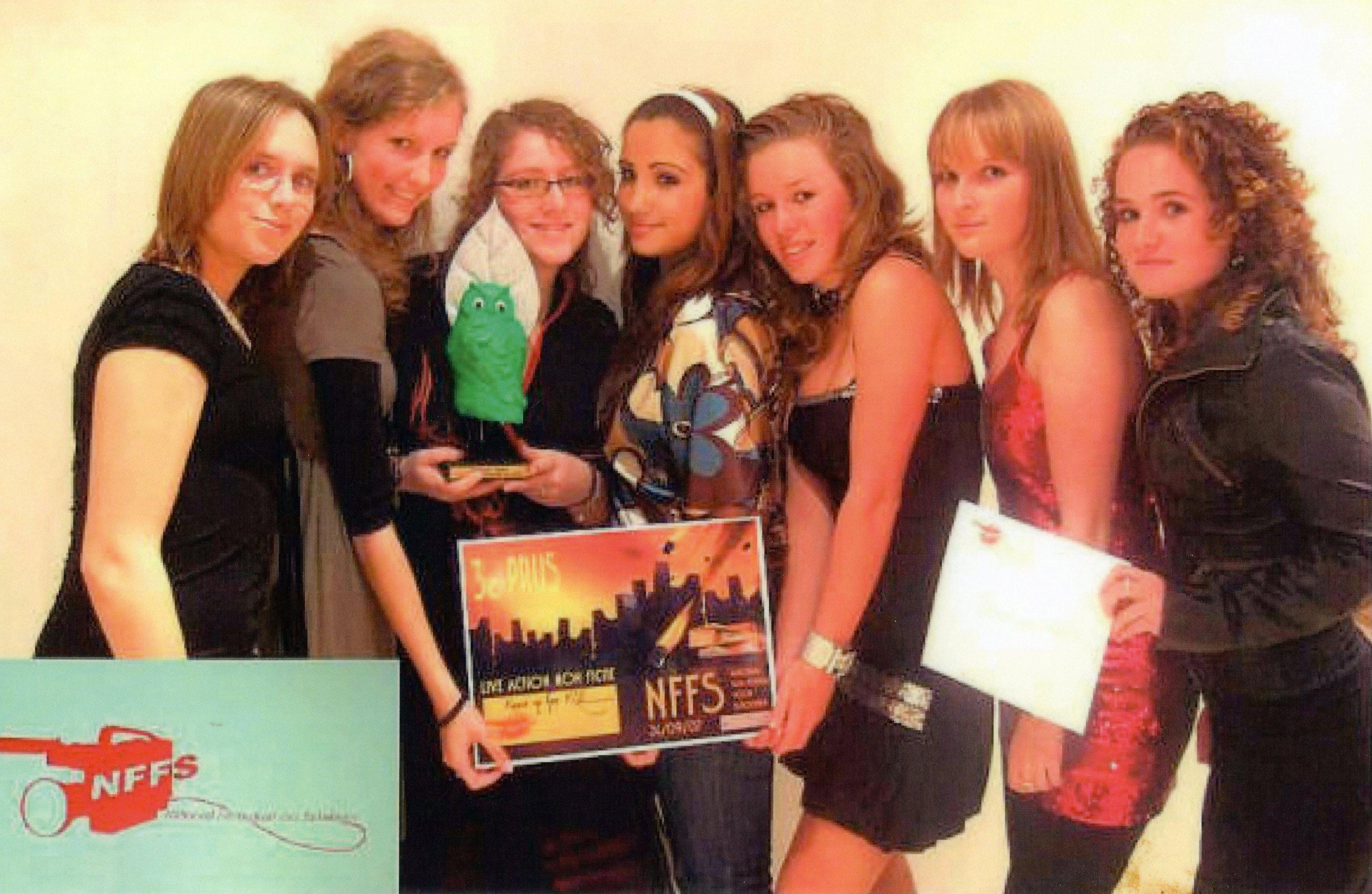 vlnr:Judith,Anouk,Nilli,Newroz,Ilse,Lilian,Mylene