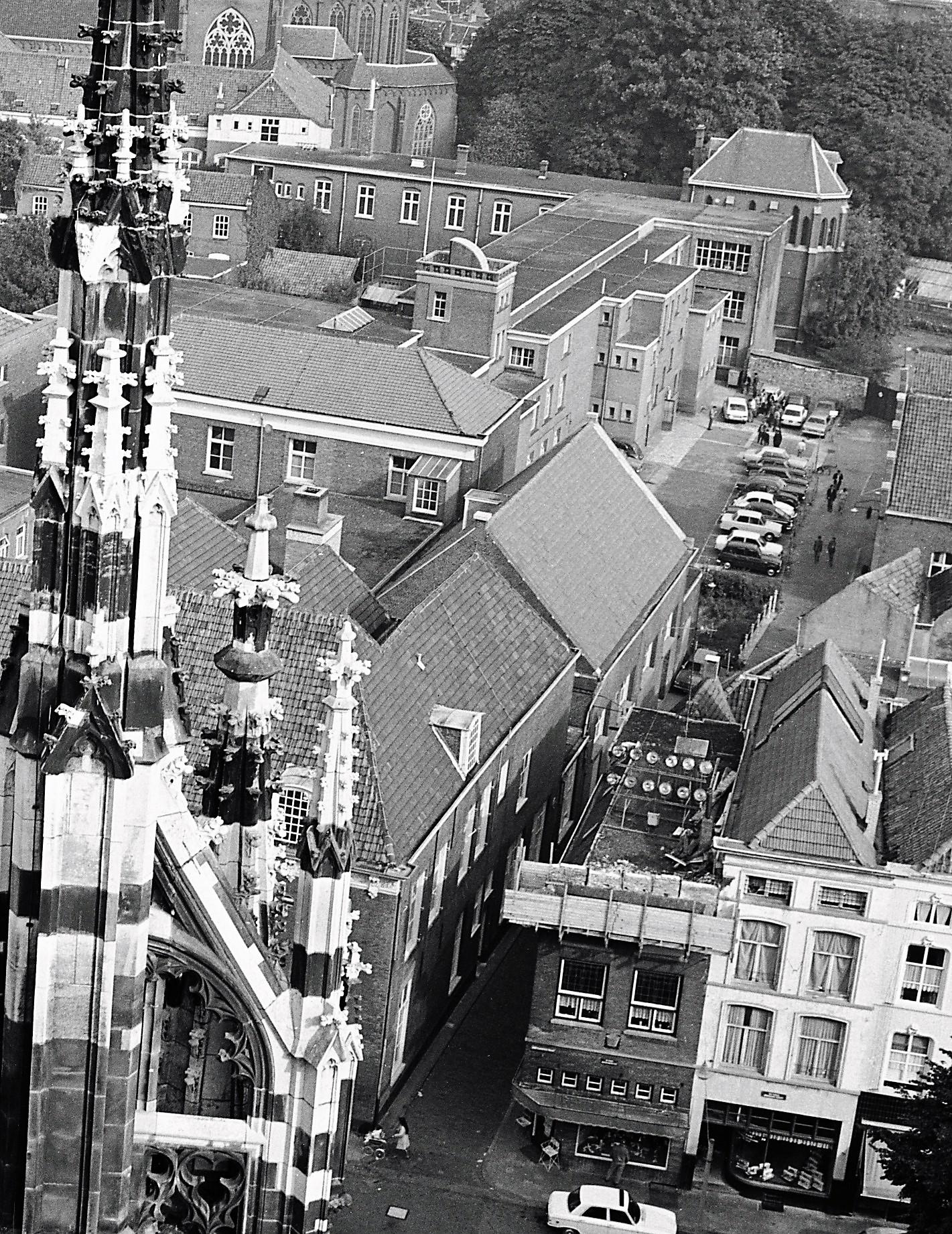 1973-zucht-op-het-Stedelijk-vergroting (1)