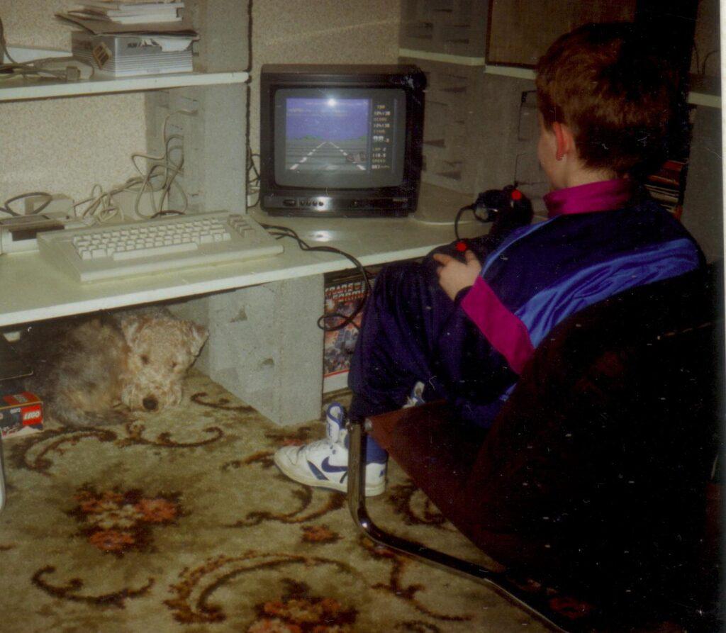 1990: Jeroen speelt een spel op de C64