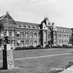 Het hoofdgebouw, begin jaren 70